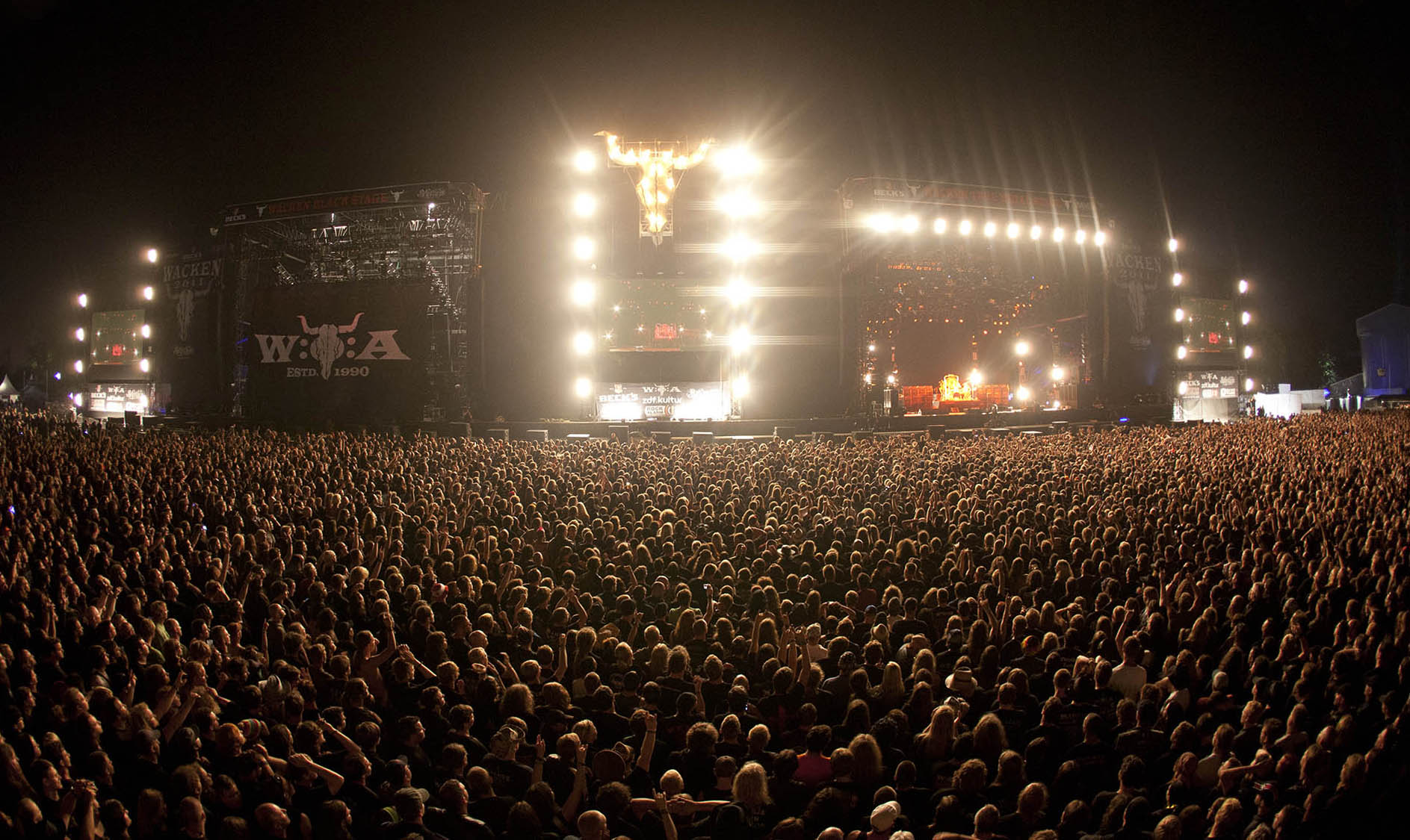 Wacken_Stages-by-night